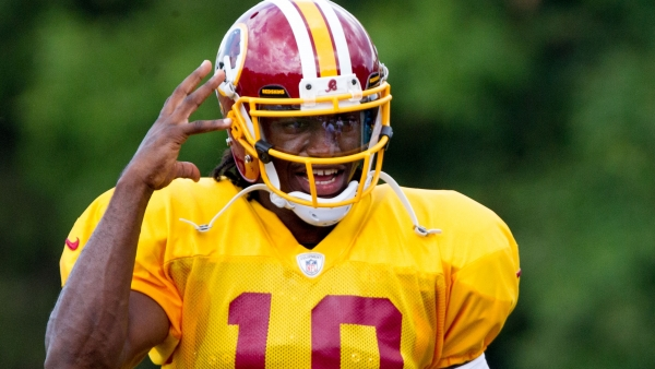 Robert Griffin III, de los Pieles Rojas de Washington