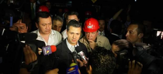 Peña Nieto visita la Torre Pemex