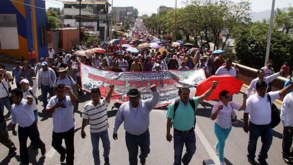 Marcha Día del Maestro / Oaxaca