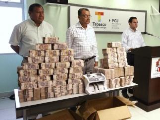 Billetes decomisados en Tabasco