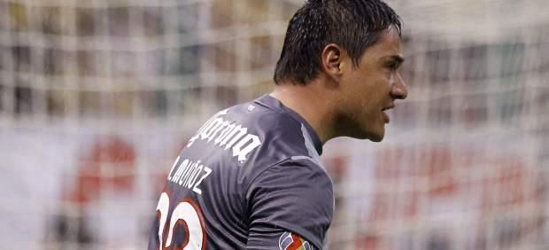 Moisés Muñoz celebra un gol