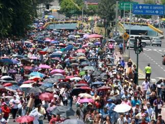 Miembros del CNTE en la marcha