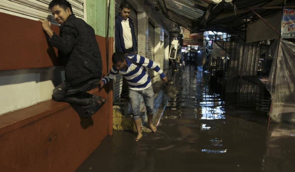 Fotos Inundaciones En Iztapalapa Im 225 Genes