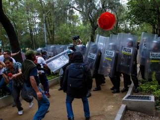 Enfrentamiento CNTE con granaderos