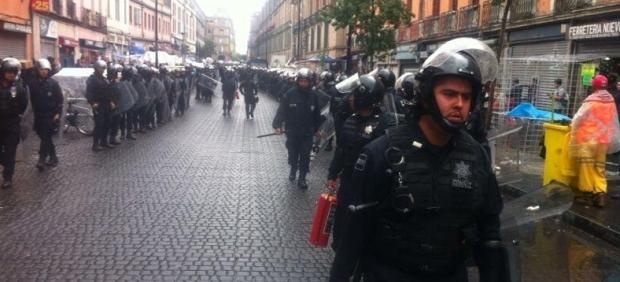 Policías en el Zócalo