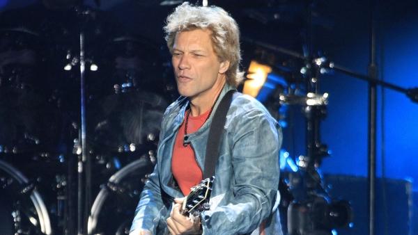 Bon Jovi salda su cuenta pendiente con México y cumple ante 48,000 fans