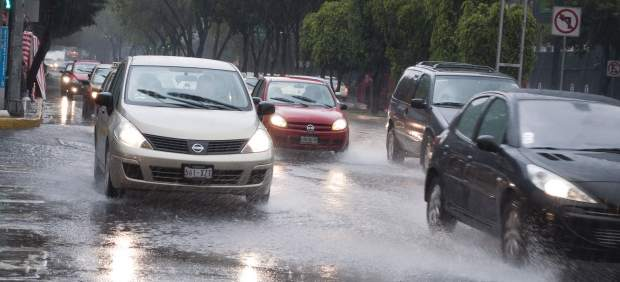 Intensa lluvia en la capital