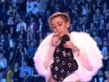 Miley Cyrus fuma marihuana en los MTV EMA