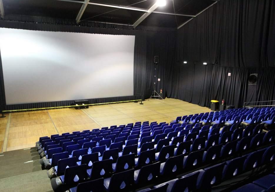 Organismos de cine vigilar n las salas de proyecci n para - Fotos de salas de cine ...