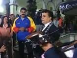 Juan Gabriel le canta a Maduro