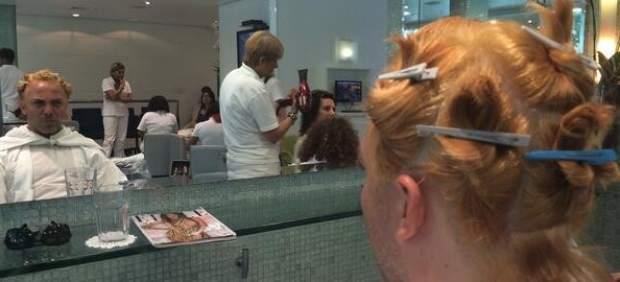 Cristian Castro va a la peluquería