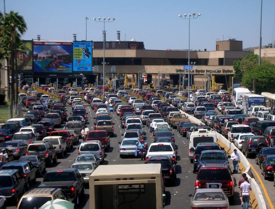 La aduana de estados unidos m xico se colapsa por la reducci n del horario al p blico - La hora en el paso texas ...