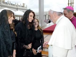 Angélica Rivera y el papa Francisco