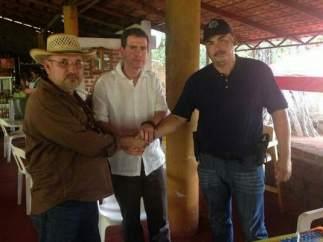 Castillo reúne a Hipólito Mora y 'El Americano'