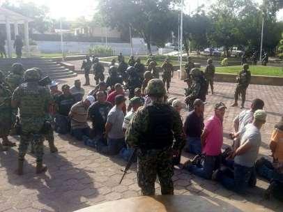 Autodefensas detenidos con Mireles