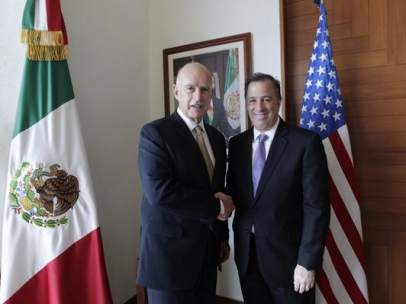 Meade recibe al Gobernado californiano