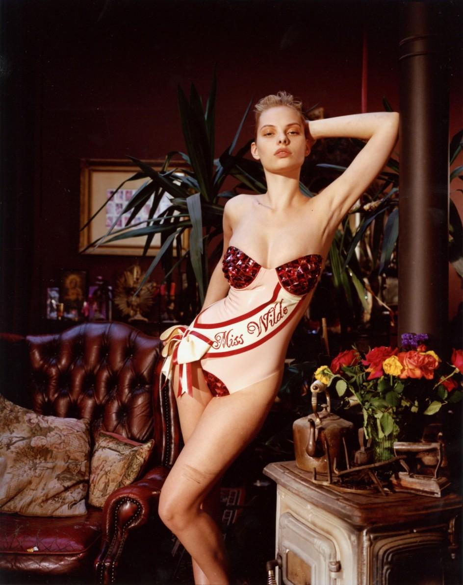 Bettina rheims muestra a las m s provocativas 39 party girls for Bettina rheims chambre close