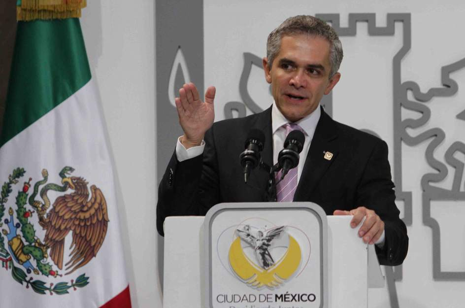Miguel ngel mancera pide la renuncia a su gabinete legal for Oficina nacional de deportes