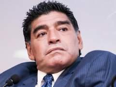 Maradona, borracho en público