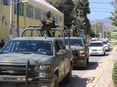 Operativo de vigilancia militar en escuelas de Acapulco.