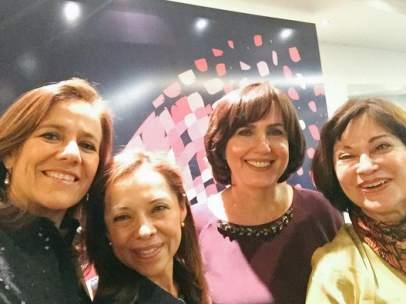 Margarita Zavala junto a Josefina Vázquez Mota, Cecilia Soto y Patricia Mercado