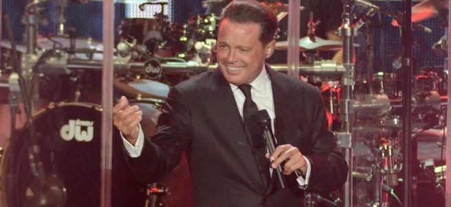 Luis Miguel ofrece el primero de tres conciertos en Monterrey