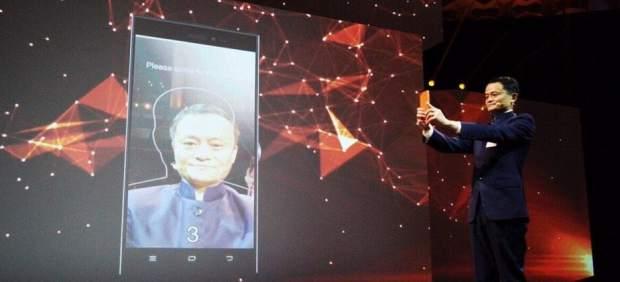 Una empresa tecnológica china presenta un método de pago en línea a través de 'selfies'