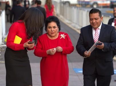 Carmen Salinas durante sesión del PRI