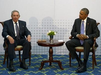 Obama se reúne con Raúl Castro