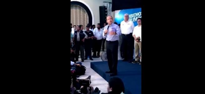 Felipe Calderón compara a 'El Bronco' con Hugo Chávez
