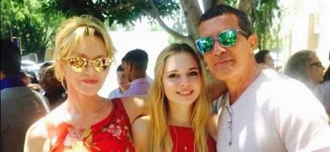 Melanie Griffith y Antonio Banderas en la graduación de su hija
