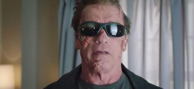 Arnold Schwarzenegger aterroriza a los fans disfrazado de Cyborg
