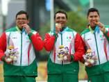 Arqueros Luis Álvarez, Ernesto Boardman y Juan René Serrano.