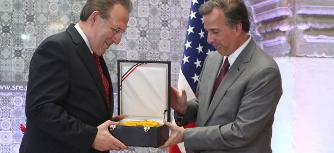 Earl Anthony Wayne, embajador de EU en México.