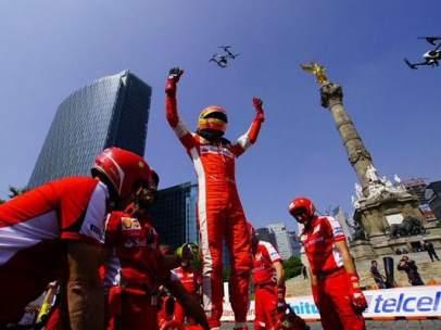 Exhibición de Ferrari en el DF