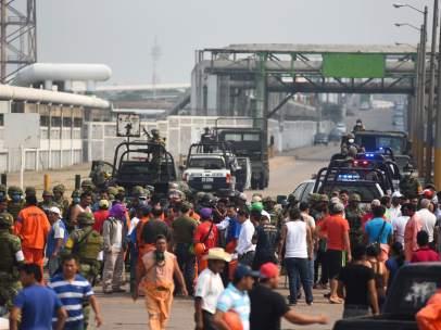 Identifican a cuatro de los seis cuerpos pendientes tras la explosión de Pemex